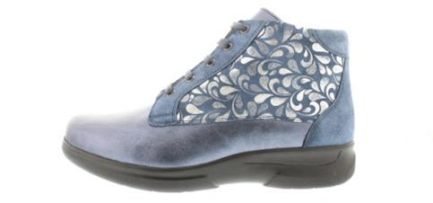 Perfect footwork Anna M